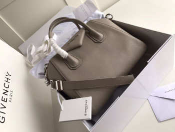 Givenchy Medium Antigona handbag 2091