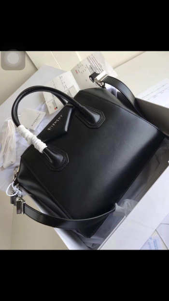 Givenchy Medium Antigona handbag 2094