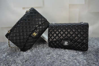 CHANEL 1112 Black Size 33cm Lambskin Leather Flap Bag With Gold / Silver Hardware