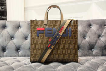 2019Fendi FF shopping bag blue logo