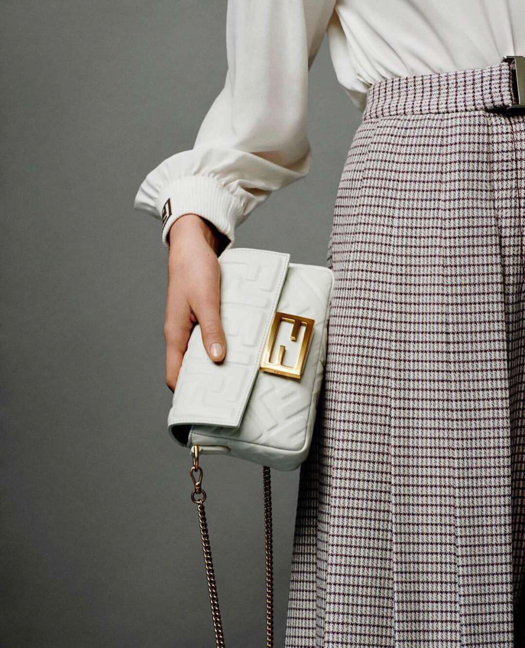 2019 Fendi bag BAGUETTE white