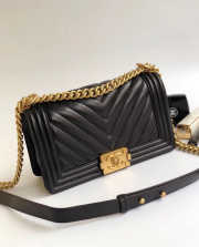 Chanel Le Boy 25cm Chevron Falp Caviar Black Leather - 4
