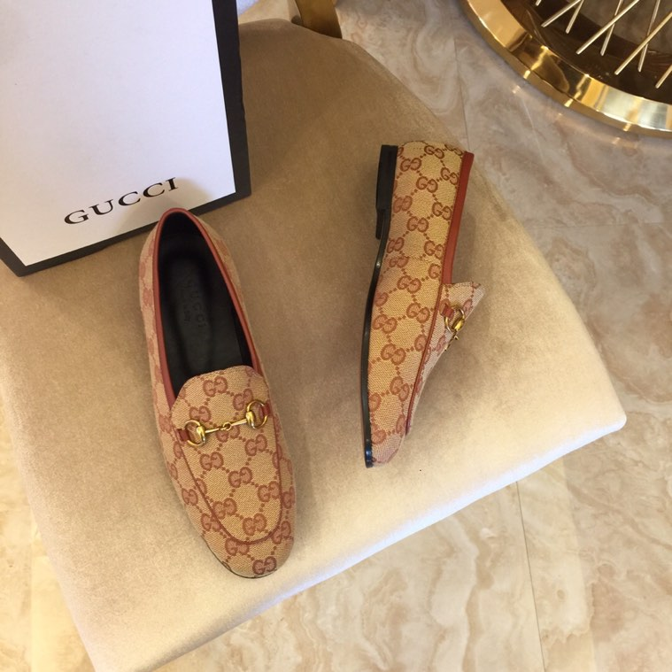 Gucci GG canvas loafer 001
