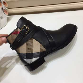 Burberry Boots 001
