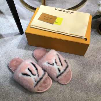 LV Slippers Pink