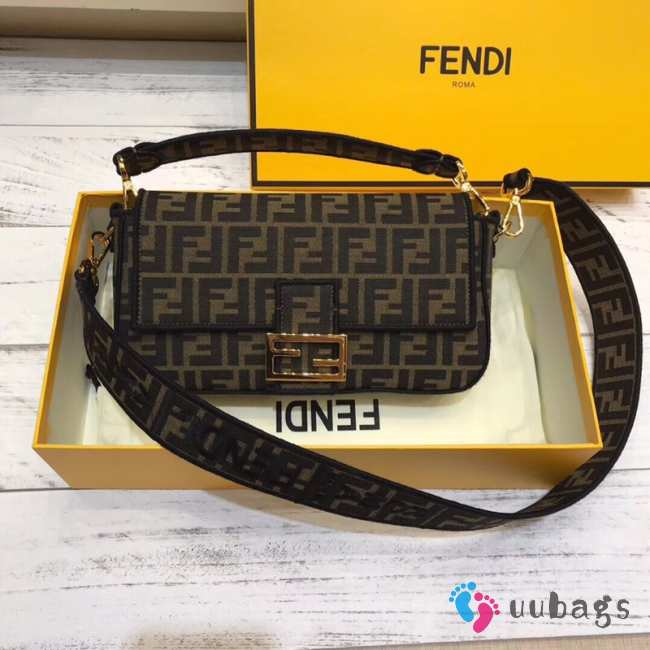 Fendi Baguette Black Medium
