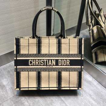 UUbags Dior small book tote