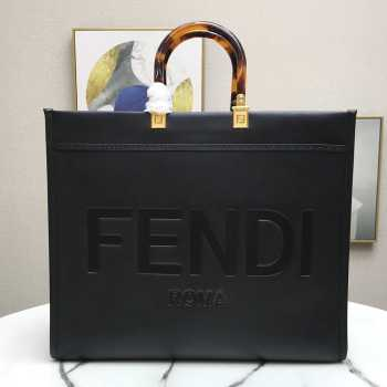 UUbags Fendi Tote in Black