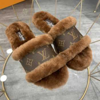 UUbags LV slippers with Fur