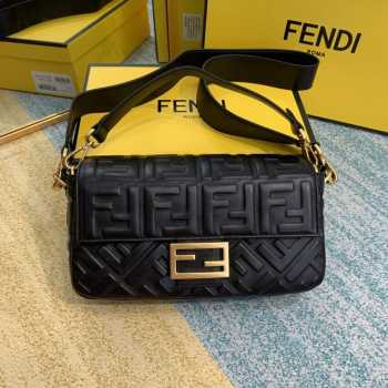 UUbags Fendi Baguette Black Medium