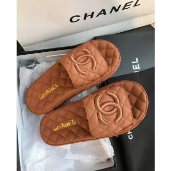 UUbags Chanel slippers in several colors